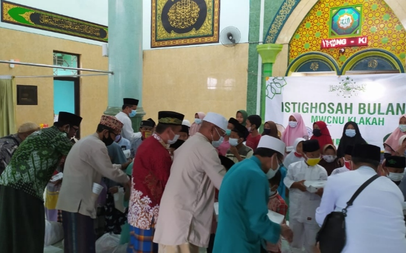 MWC NU Klakah Gelar Istighosah Bulanan dan Santunan 40 Anak Yatim
